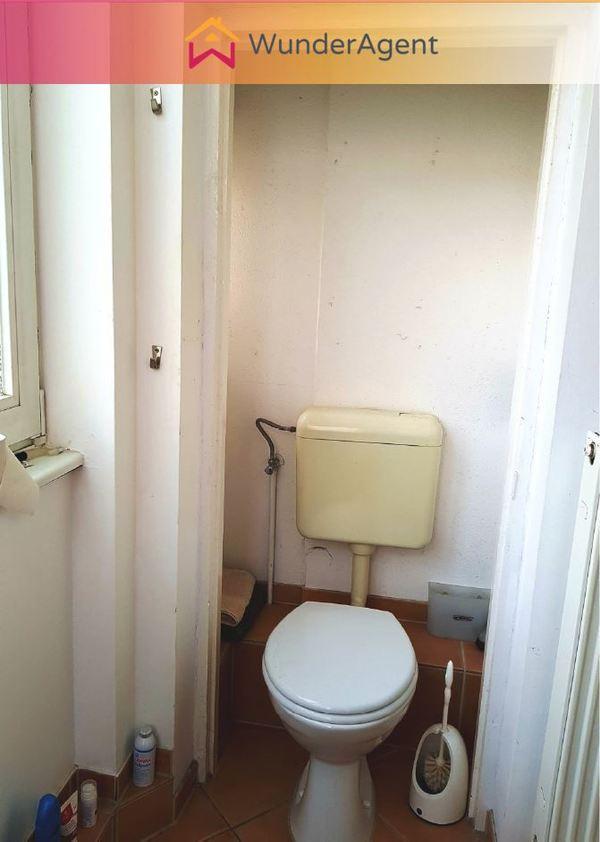 Cover small toilette