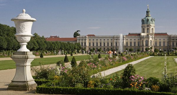 Cover small schloss 20charlottenburg